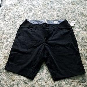 NWT GAP black under belly shorts